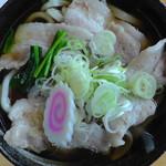 ゑびす庵 - 肉うどん(真上)