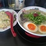 虎と龍  - 料理写真:久留米の龍+味玉+焼飯ハーフ