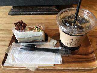 ディゾン - ケーキとアイスコーヒー