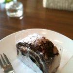 CAFE風 - いちじくロールケーキです。