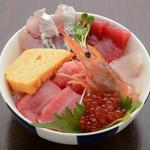 Hotomeki - 天然生マグロと新鮮魚介がたっぷり!銀座の海鮮丼 特上