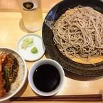 鷹山 - 料理写真:ミニ天丼セット 蕎麦大盛り ¥680+100  蕎麦、コシも香りもあって、コスパはとても良いです。職人3人もいて経営成り立つのかな(^^;;