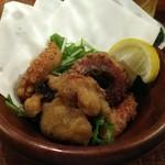 府中Dining&Bar レストハウス - タコの唐揚げは少なめですが粒は大きめ。