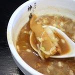 麺創房 神威 - つけ汁