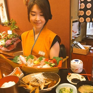 その日の朝に揚がった日本海の新鮮な魚介を提供!
