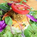 Vege - フレッシュトマトとキーマカレーのパンケーキ