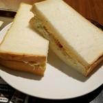 上島珈琲店 - コールスローたまごサラダサンド380円
