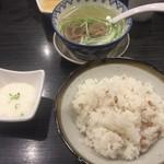 牛タン焼専門店 司 - 牛タン定食の麦飯、テールスープ、とろろ