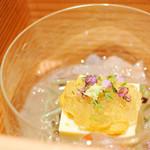 69116419 - 自家製の玉子豆腐、北海道の雲丹、青森の天然じゅんさい