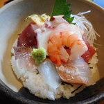 旬菜‐小豆 - 海鮮丼