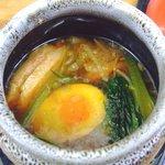 梅公 - しょう油温つけ麺のスープ