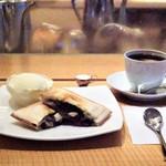 カフェ・ヴェルディ - 料理写真:あんこホットサンドウィッチセット