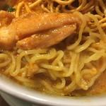 69122937 - 麺は中華麺