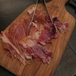PEP - 生ハム盛り合わせ:イベリコ豚とハモンセラーノ