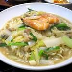 金満楼 - 海鮮燜麺(海鮮入り福建風煮込みそば)