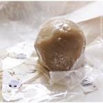 竹隆庵 岡埜 - カフェオレ大福 1個216円 半解凍でパックンチョ♪洋風テイストなスイーツです。