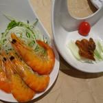 阿霞飯店 - デラックスコースの海老の塩味水煮と天然カラスミ焼き