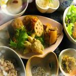 健康食工房 たかの - 自然食ランチ 金沢市 野菜たっぷり オーがニック 自然食の安らぎ