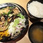 紫金飯店 - 牛肉と茄子の辛子味噌炒め定食