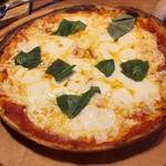 肉バル バーレイウィート - マルゲリータピザ