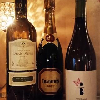 シーフード料理にぴったりのワインを多数ご用意しております