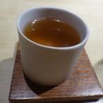 TTOAHISU - ◆スペシャリテの「Wコンソメ」・・焼きアゴや色々な食材を使用されています。 いつもながら食材の旨みが凝縮され美味しい。