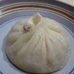 TTOAHISU - *トリュフ入り「小籠包」・・贅沢な小籠包ですよ。小籠包らしい味わいで、ほんのりトリュフの香りがします。