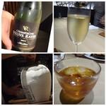 TTOAHISU - この日いただいたお酒。価格は外税。 ◆グラスワイン(1500円×2)・・スッキリした味わいで飲みやすい。 ◆紹興酒(500円)