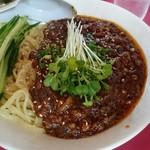 かし亀 - 炸醤(ザージャー)麺 850円