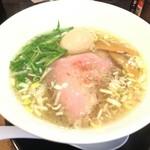 清麺屋 - 鶏と鯛の塩そば(730円)+新鮮玉子(100円)
