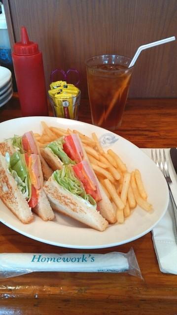 ホームワークス 広尾店 - ハムチーズサンドイッチ。