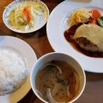 マンガ館ヴィラ  - 本日のおすすめ  短角牛ヴィラハンバーグ(チーズ)