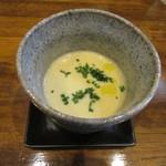垂水ビストロ シャコルザ - 本日のスープ~ジャガイモとアサリとポロネギのポタージュ