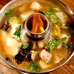 Bangkok Night - 豚肉と豆腐のヘルシースープ/トムスープバンコク