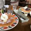 アルパカ珈琲店 - 料理写真:くるみといちじくワッフル、小倉ワッフル