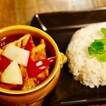 Bangkok Night - 牛肉のマッサンカレー