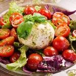 La Provence Café - まるごとモッツァレラとチェリートマトのカプレーゼ