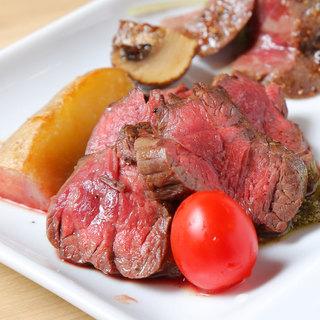 多彩な逸品料理!『和牛ステーキ』や名物『肉鍋』ご賞味ください
