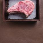 ビストロガストロス - 広尾の地下に熟成肉あり!