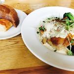 GOODMORNINGCAFE - 日替わり、パン、スープ付