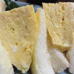 ちゃんこ上潮 - 今流行りの厚焼き玉子サンドです。