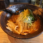 麺や すする - 濃厚魚介らーめん(850円、斜め上から)