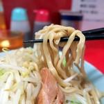 ラーメン二郎 - ゴワポキ太麺