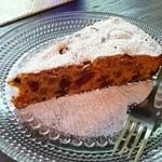 東山ボヌール - 「森のケーキ」はドライフルーツとナッツがたっぷり入ったフィナンシェベースのしっとりケーキです♪♪