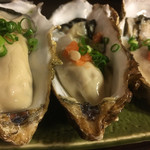 鮨処美好 - 生牡蠣 800円