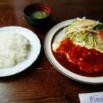 ピノキオ - 若鶏のチーズ焼き(ライス•味噌汁•サラダ付)は1000円+税