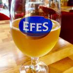 イスタンブールカフェ - グラスの反対側にあったビールのブランド。飲みかけ失礼。