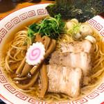 胡座 - 中華そば(750円)