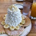 69175446 - 重い順表記なのかパンケーキバナナホイップ。大きさならホイップ>パンケーキ>バナナ笑
