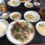 中国美食坊 聚珍楼 - レバニラ炒め定食680円